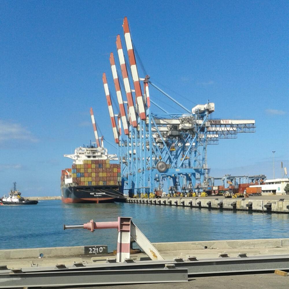 הגבהת עגורן בנמל אשדוד